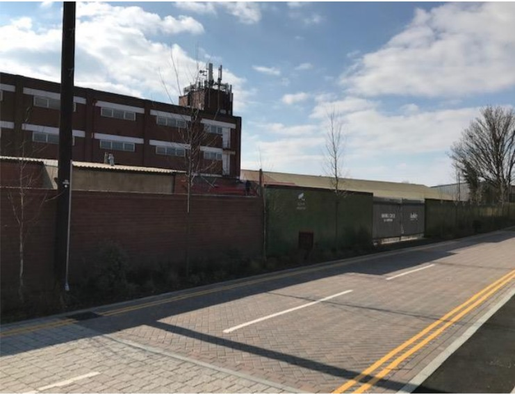 Demolition of existing building and proposed construction of 40 new flats at Stoke Gardens, Slough (P/04230/010).