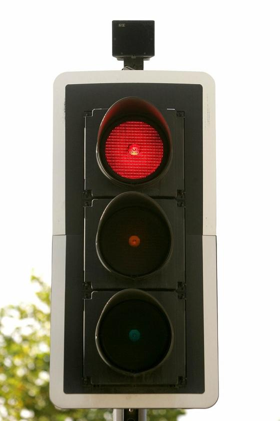 Cameras Now In Operation To Give Red Light Jumpers £100 Fine And Three  Points