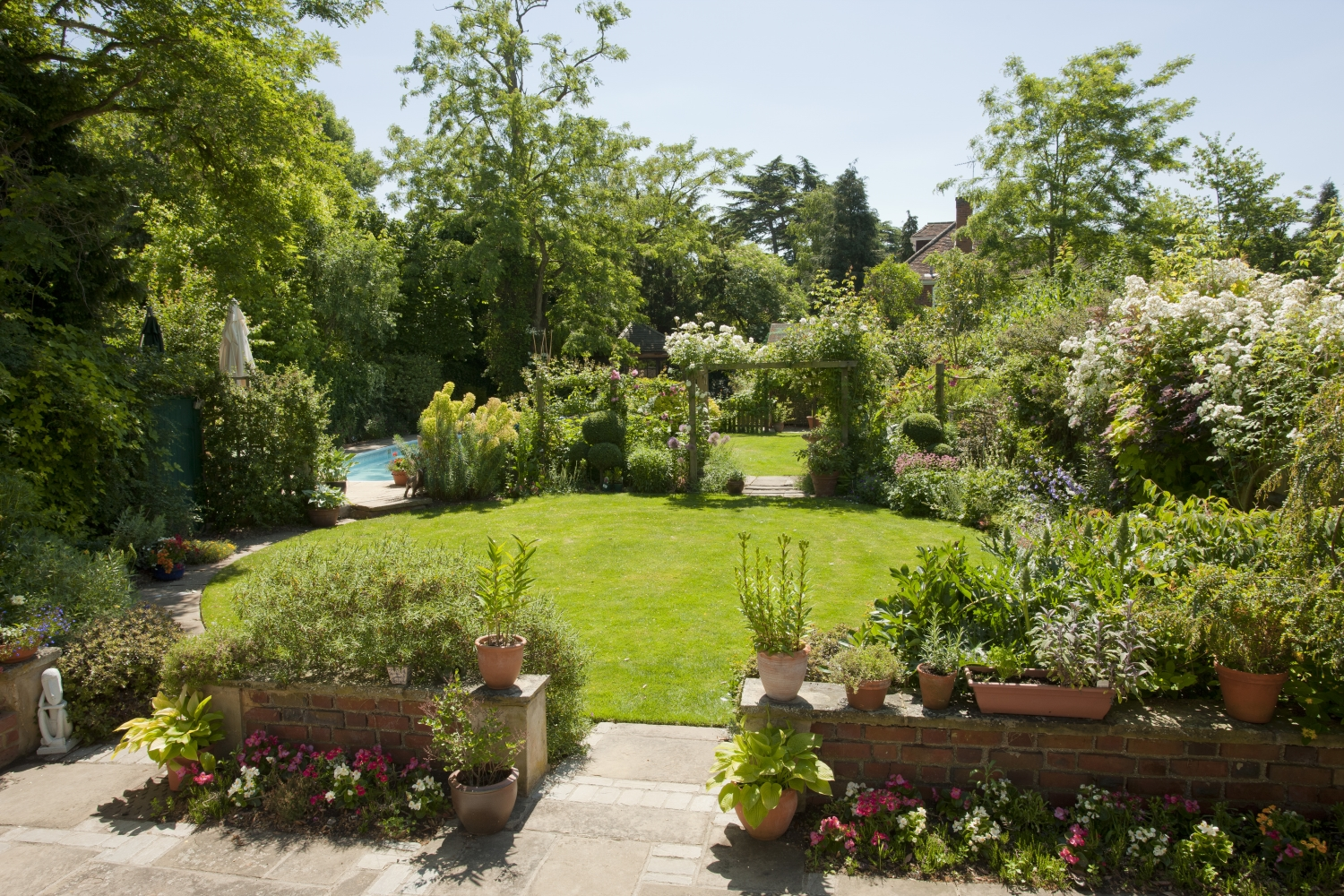27 May A Group of Cookham Gardens Opening for NGS Nursing Charities