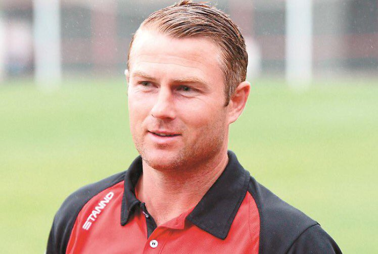 Burnham have named Paul Shone as their new manager after ex-boss Alan Paris departed the club.