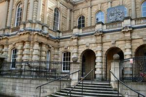 Care worker who scammed elderly man out of £1,200 avoids jail