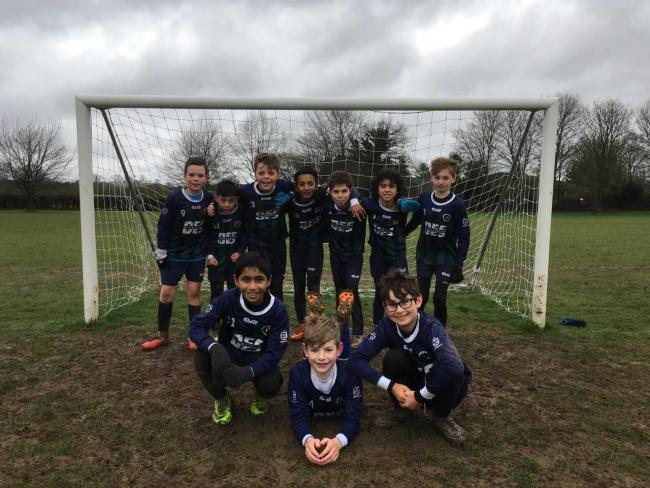 Chalfont Saints Under-10s (U10) thrashed Maidenhead Warriors 11-1 in the Thames Valley Football Development Cup on Sunday.